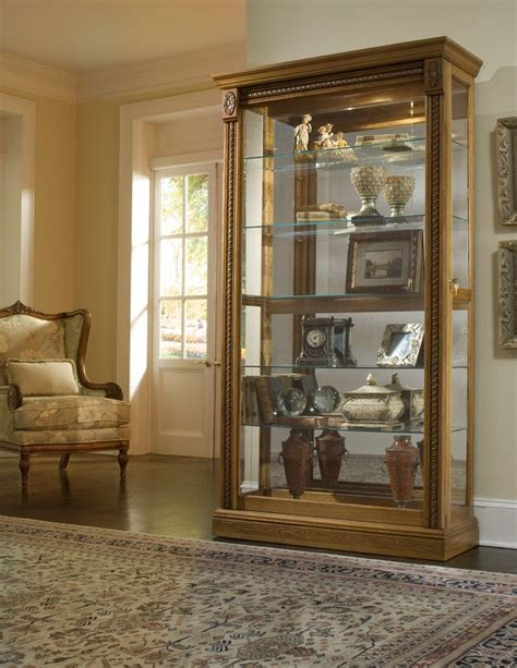 pulaski curio cabinet 21131 161 best images about curio cabinets on glass