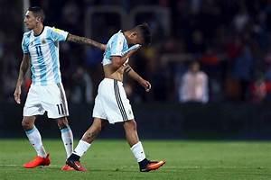 Dybala, hundido tras su expulsión con Argentina