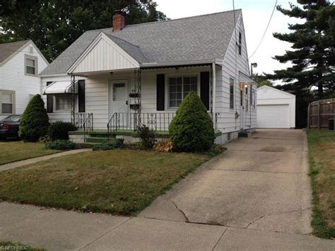 austin ave akron   home  sale  real