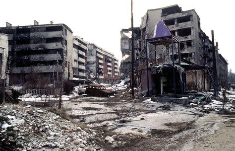siege sarajevo parrish lantern 39 s pomesallsizes august 2015