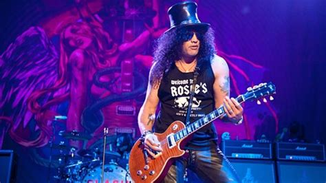 Slash Discusses World On Fire Album; New Video Interview