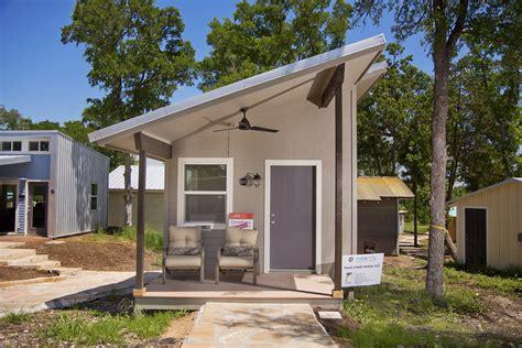 tiny houses  austin  helping  homeless