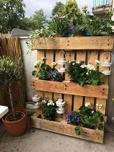 pflanzenregal aus paletten fur den rustikalen With französischer balkon mit weidendeko für den garten
