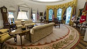 Spot The Change In President Trump U0026 39 S Oval Office