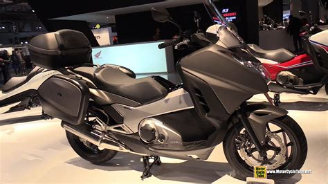 honda integra  dct maxi scooter walkaround