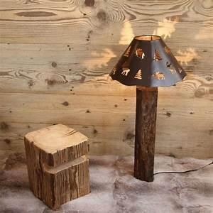 Lampe Sur Pied Bois : pied de lampe bois recycl rustique les sculpteurs du lac ~ Teatrodelosmanantiales.com Idées de Décoration