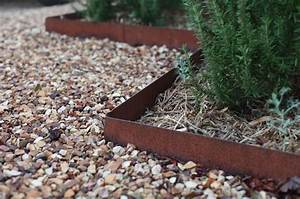 Hardscaping 101 Metal Landscape Edging Gardenistum Innovative Metal Landscape Edging