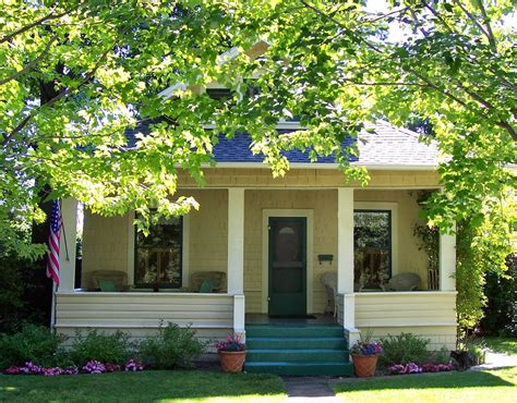 cozy small homes  photo gallery house plans