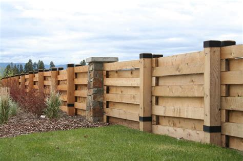 Wood Privacy Fence With Horizontal