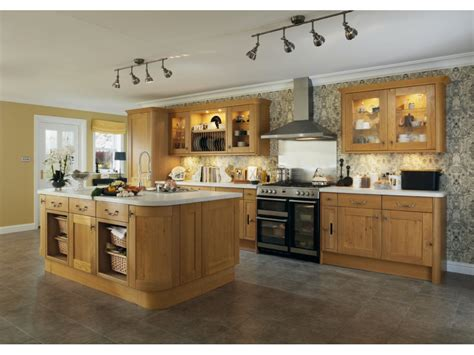 cuisine italienne contemporaine cuisine en chene massif moderne maison design bahbe com