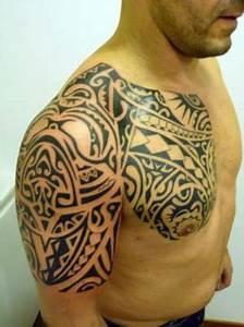 Tatouage Oiseau Homme : tatouage homme torse oiseau cochese tattoo ~ Melissatoandfro.com Idées de Décoration