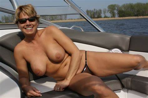 Mmf Filled In The Foamy Vacation Underboobs Mom On Boat