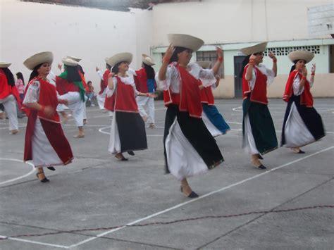 Presentaron el San Juanito de Otavalo en su primera partic