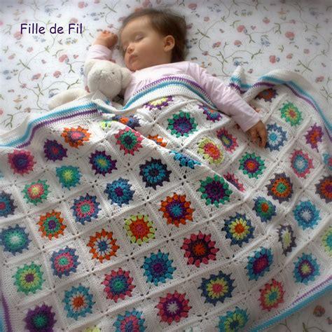 jeté de canapé couverture plaid bébé au crochet square