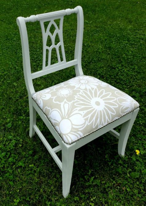 How To Reapolster A by The 11 Best Reupholstered Chair Tutorials The Eleven Best