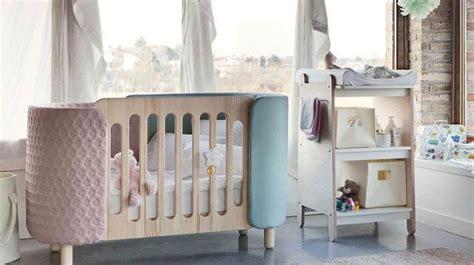 comment faire dormir bébé dans sa chambre chambre de bébé décoration et aménagement côté maison