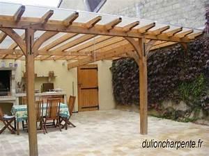 Toit Pergola Bois : charpente bois couverture de toit pergolas ~ Dode.kayakingforconservation.com Idées de Décoration