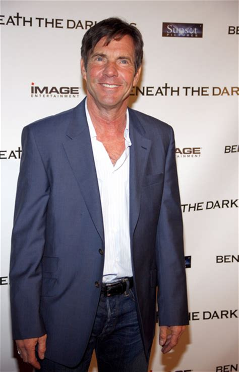 dennis quaid quarterback dennis quaid pictures beneath the darkness movie premiere