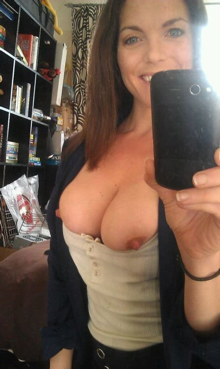 Curvy Mature Girlfriends Show Their Nude Selfies Original Picture