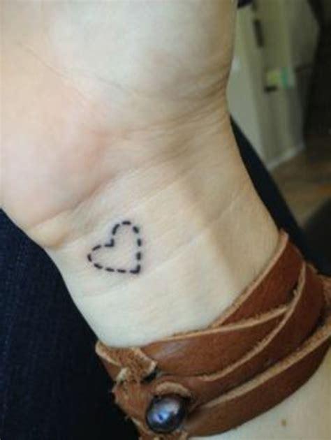 herz handgelenk handgelenk herz tattoos herz mini
