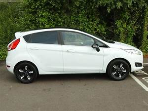 Ford Fiesta Edition : used 2016 ford fiesta 5dr hatch 1 0 ecoboost zetec white edition 100ps for sale in hertfordshire ~ Maxctalentgroup.com Avis de Voitures