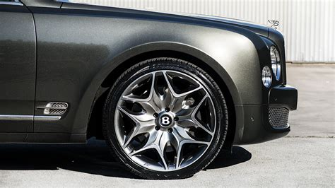 bentley custom rims bentley mulsanne custom wheels kahn 6 22x9 5 et