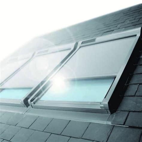 store ext 233 rieur pare soleil avec capteur solaire pour fen 234 tre de toit amz solar fakro