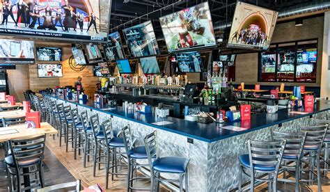 Sports Bar Furniture by Why It S A New Era For America S Classic Sports Bar Food