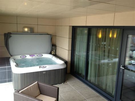 Jacuzzi Hot Tub  Picture Of Casa Hotel, Chesterfield