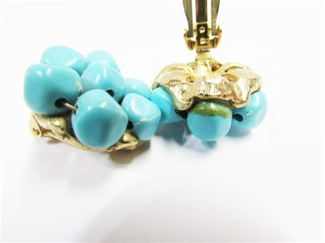Vintage Aqua Bead Cluster Clip On Earrings   Turquoise