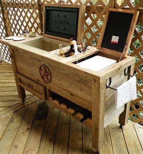 Garden Stool On Wheels Uk by 7 Creative Diy Outdoor Pallet Bar Ideas Pallets Designs