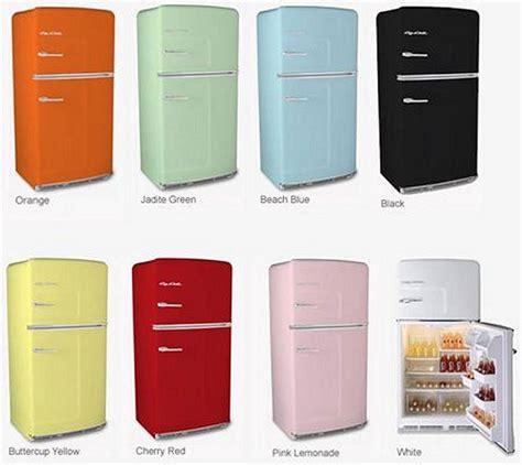 1950s kitchen colors big chill retro kitchen appliances vs 1037