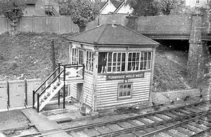 Train Light Signals Uk Tunbridge Wells West