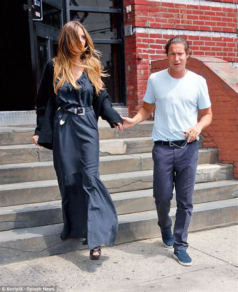 Heidi Klum Holds Hands With Vito Schnabel Daily Mail Online