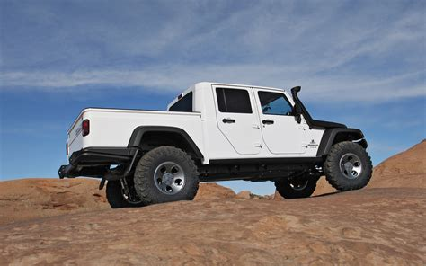 aev jeep aev jeep brute double cab hemi first drive motor trend