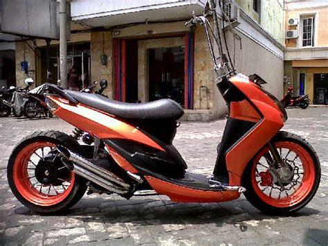 Modifikasi Motor Metik by Modifikasi Motor Matic Low Rider Modifikasi Motor Matic