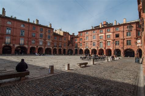file montauban place nationale jpg wikimedia commons