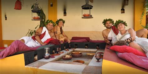 triclinium  traditional roman dining room aqua libera