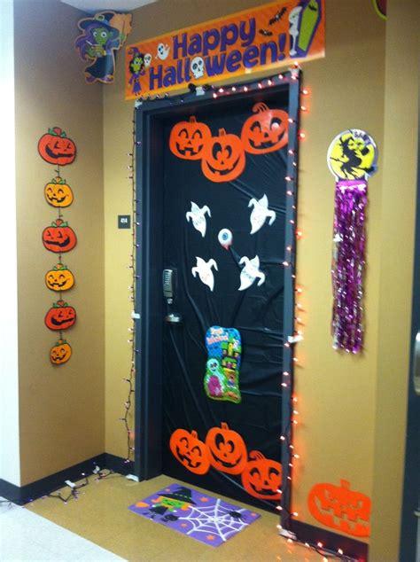 halloween door decorations   dorm dorm decorations pinterest  ojays