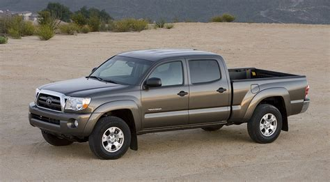 toyota trucks and top of the line toyota tacoma crew cab pickup trucks for