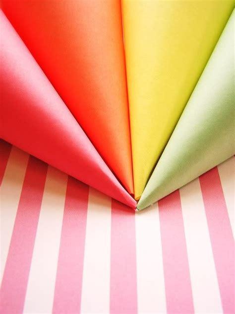 wonderful  spring paper cones popcorn holder cones