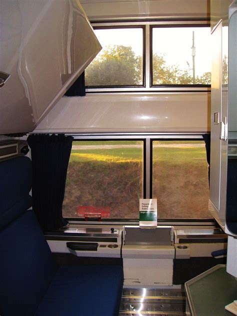 Amtrak Viewliner Bedroom by Amtrak Viewliner Bedroom Pictures To Pin On