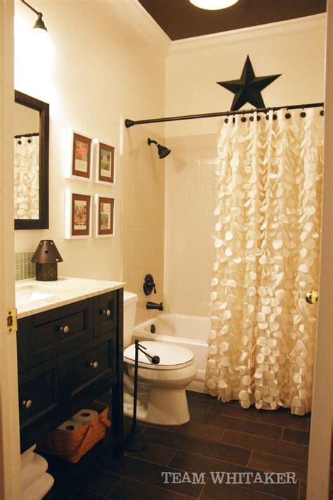 Shower Curtains For Small Bathrooms by The 25 Best Floor Bathroom Ideas On