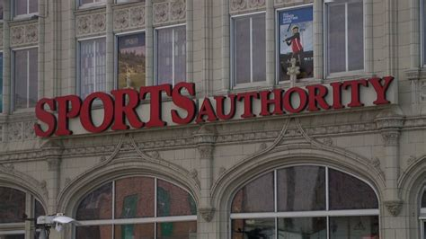 sports authority gives up on survival auction set for may