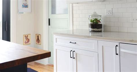 backsplashes in kitchens pictures pale aqua pantry door white shaker cabinets black 4286