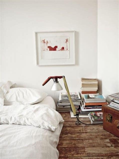 lit bébé au sol chambre un lit au sol une hirondelle dans les tiroirs