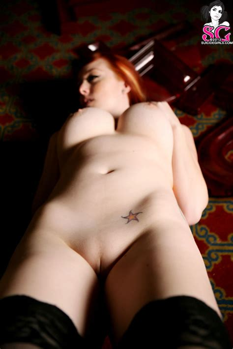 red suicide girls moxi