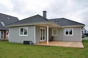 Haus Mit Holzfassade : bungalow mit grauer holzfassade thams h user ~ Markanthonyermac.com Haus und Dekorationen