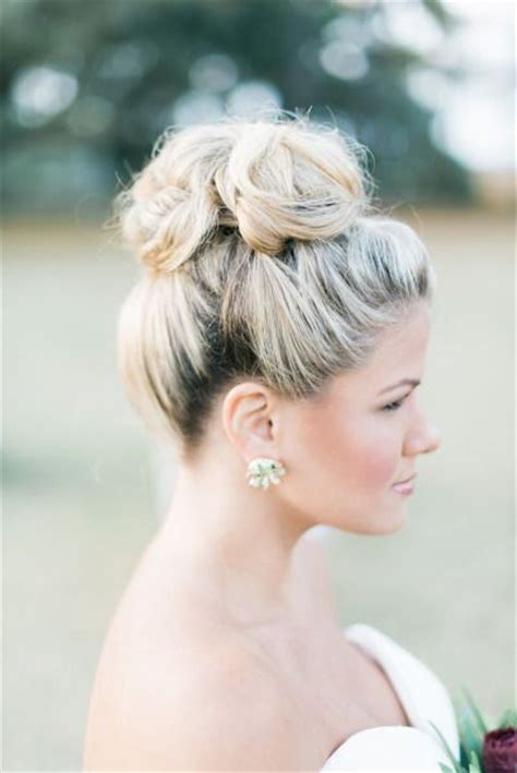 top knot bun wedding hairstyles   inspirewith tutorial deer pearl flowers