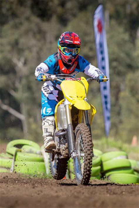 suzuki motocross gear reviewed 2013 shift mx faction gear motoonline com au